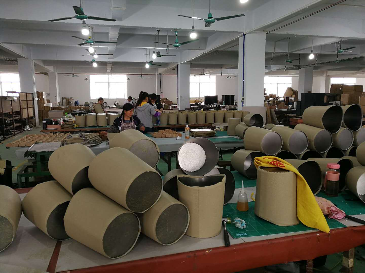 Fenghe square outdoor garbage cans manufacturer for public house